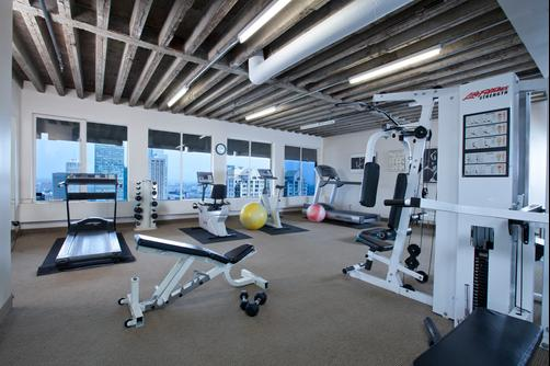 Hotel Le Cantlie Suites - Montreal - Gym