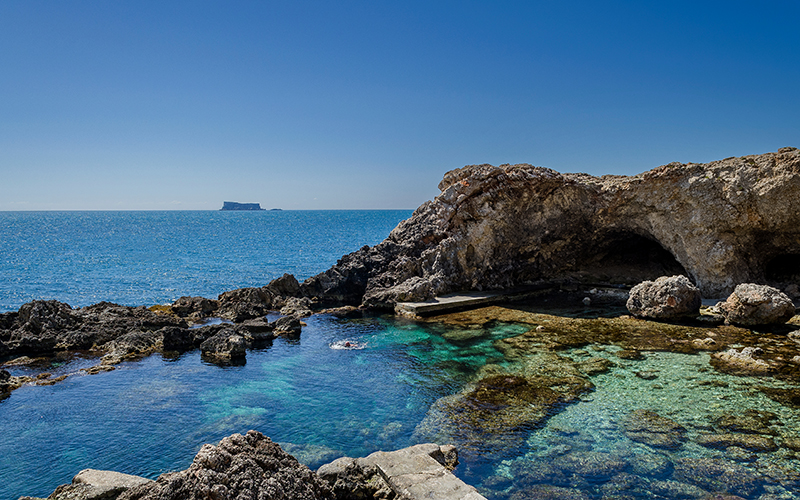 Ghar Lapsi is both for divers and snorkellers