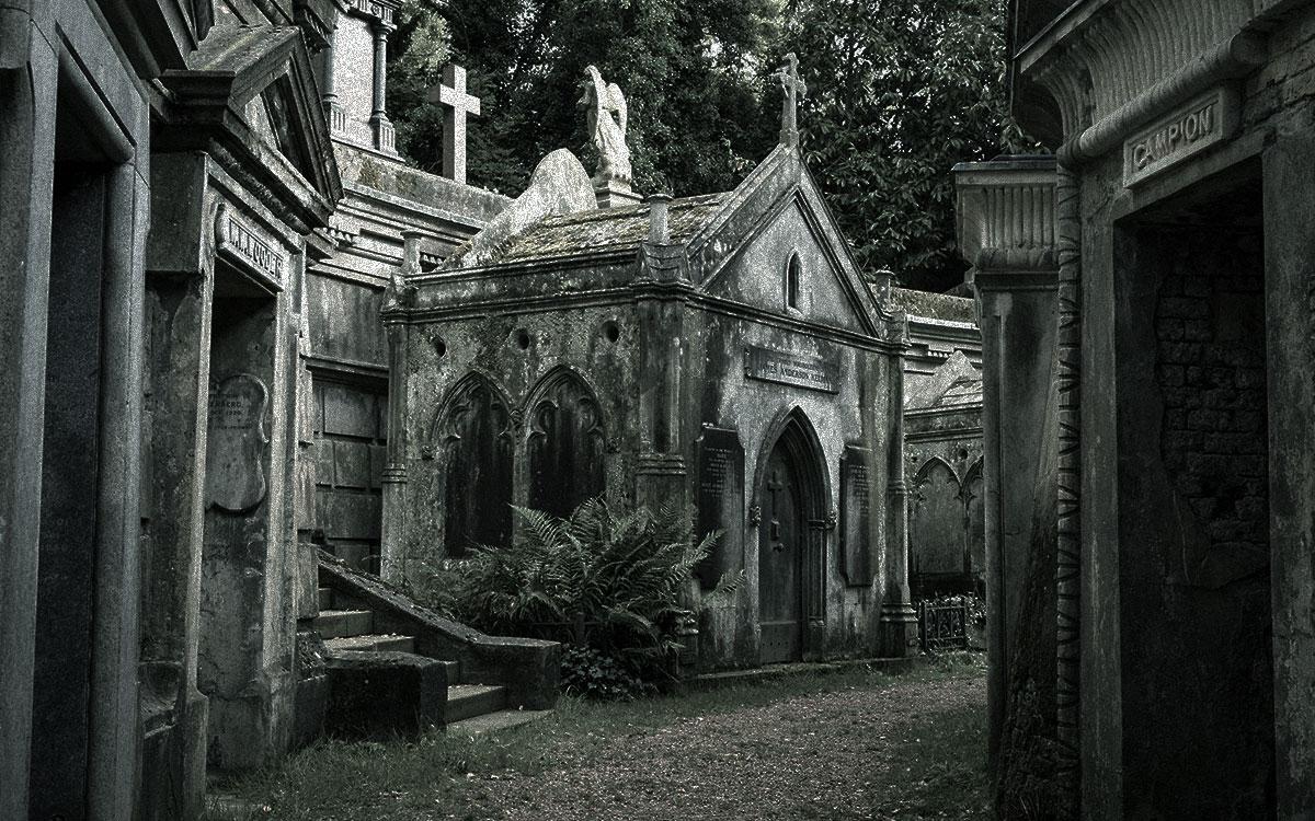 Highgate Cemetery haunted britain
