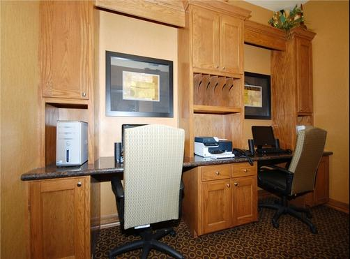 Best Western Plus Christopher Inn & Suites - Forney - Business centre