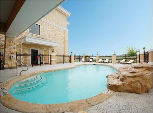 Best Western Plus Christopher Inn & Suites - Forney - Pool