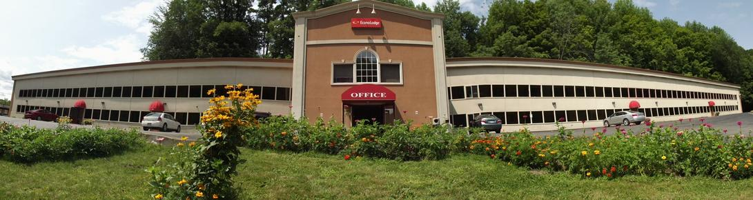 Econo Lodge - Montpelier - Building