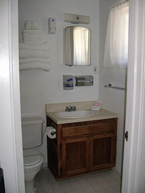 Cedar Lodge Motel - Dunsmuir - Dunsmuir - Bathroom