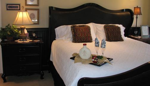 Eden by the Sea - Port Angeles - Bed