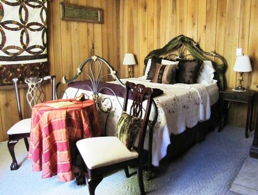 The Olde Mill Inn Bed and Breakfast - Cumberland Gap - Bedroom