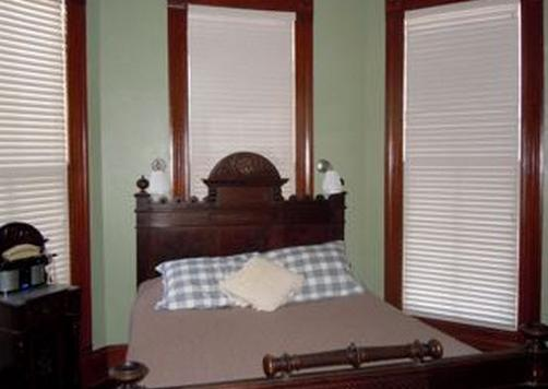 Brava House Bed And Breakfast - Austin - Bed