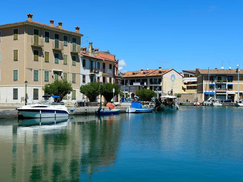 Hotels in grado from 33 night search for hotels on kayak for Hotel serena meuble grado